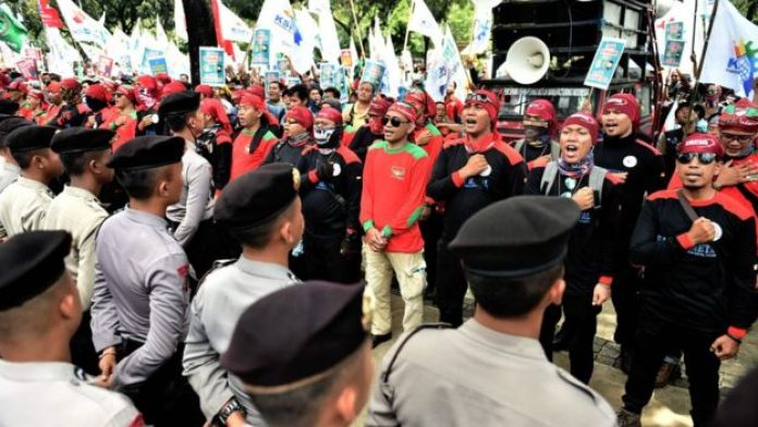 Labour rally in Jakarta to demand the cancellation of tax amnesty. 29 Sept 2016