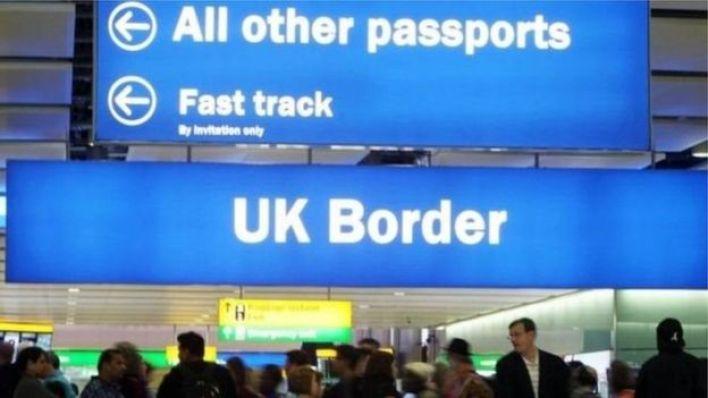 انتقادات لقوانين الهجرة في بريطانيا