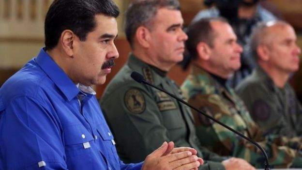 Nicolás Maduro y otros jefes militares