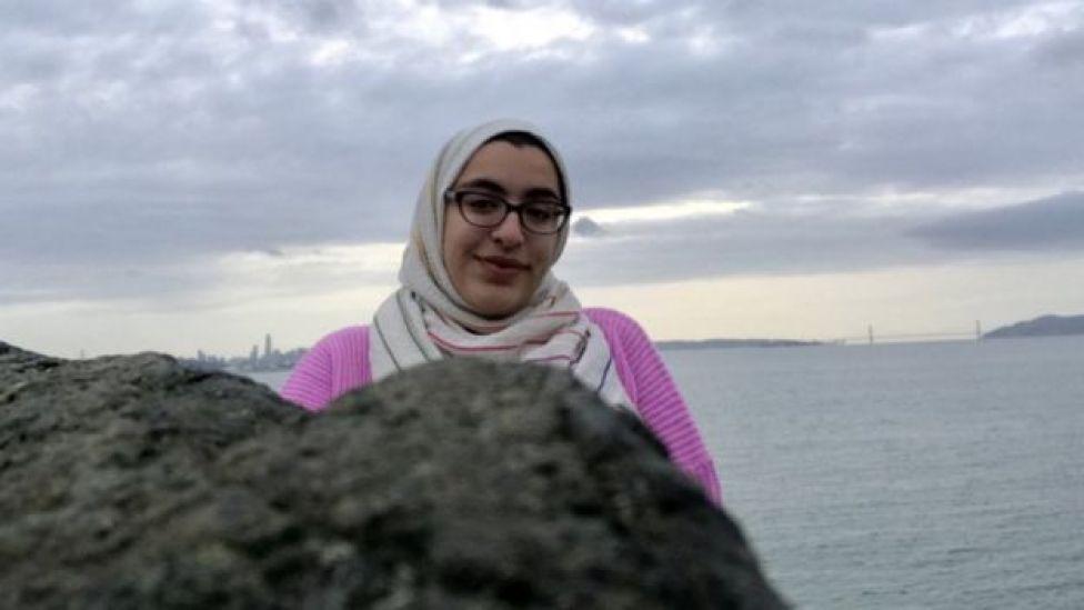 Photo de Sabreen Imtair près de la mer