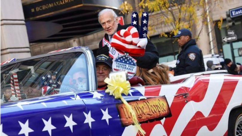 Aldrin num desfile