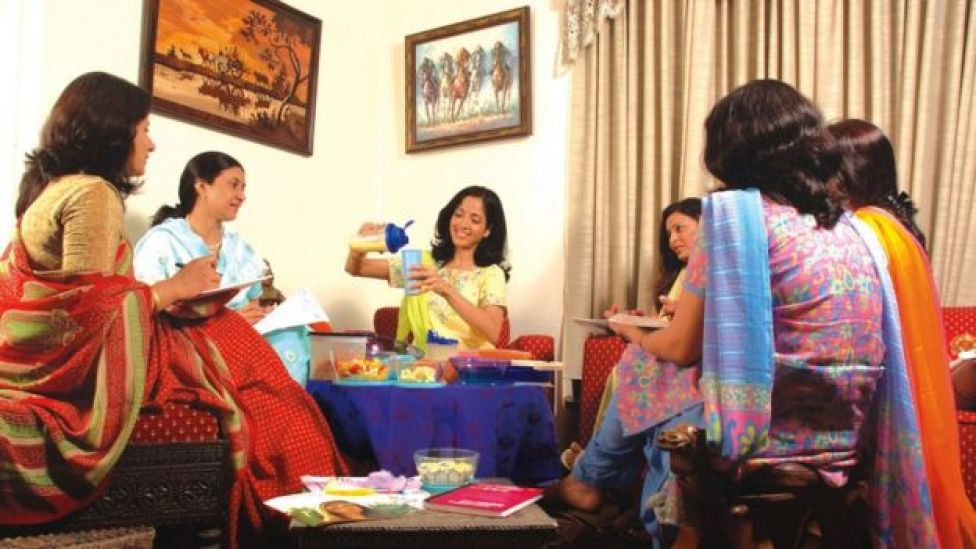 Reunión de Tupperware en India.