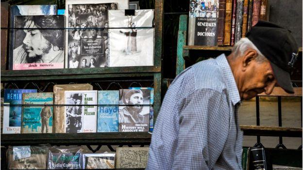 Vendedor de libros usados en La Habana