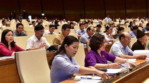 Quốc hội Việt Nam biểu quyết thông qua Luật An ninh mạng.