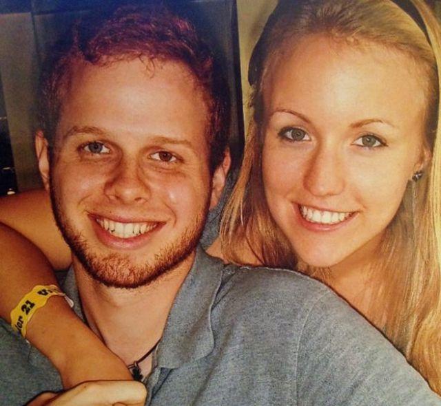 Robert Burton y Melissa Dohme.