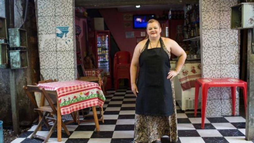 Cozinheira Regina Alves dos Santos