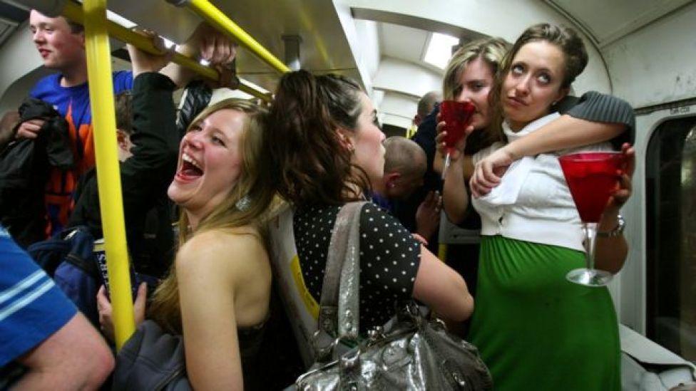 Раньше лондонское метро оживлялось только в дни праздников и вечеринок. Теперь вечеринка наступает каждую ночь