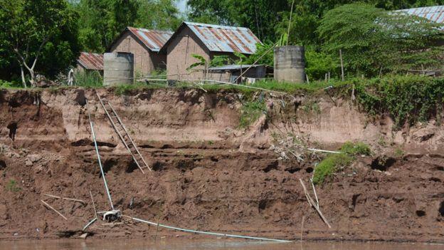 メコン川の土手レベルが低下しました