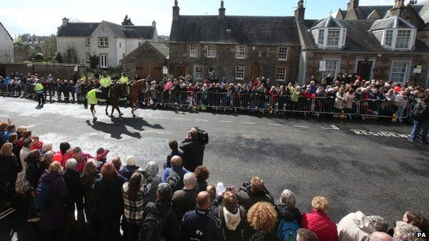 Crowds in Dunblane