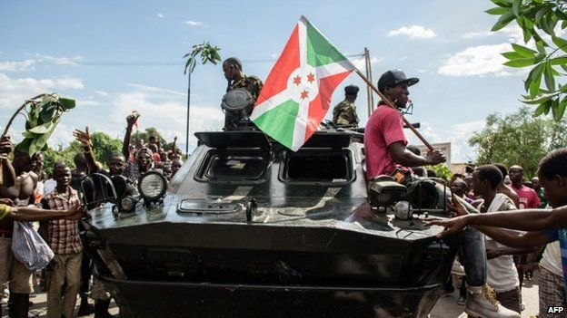 Protesters and armed forces in Bujumbura, 13 May