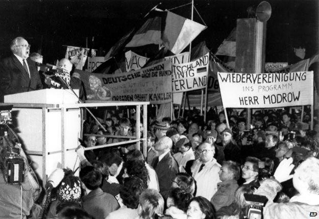 Helmut Kohl in Dresden December 1989