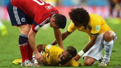 Neymar oo ooynaya kaddib markii uu dhaawacmay