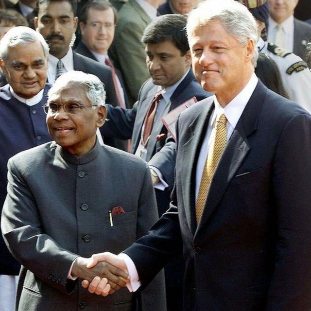 बील क्लिन्टन र तत्कालीन भारतीय राष्ट्रपति नारायणन्