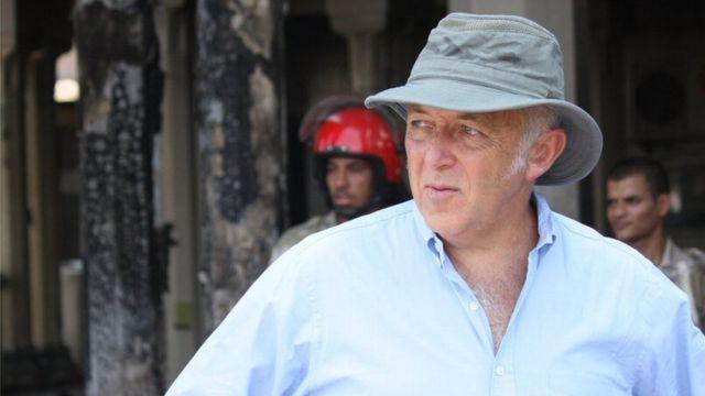 Jeremy Bowen 2011'de Kahire'de