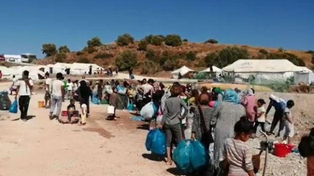 يجد اللاجئون صعوبة في الحصول على المياه والطعام