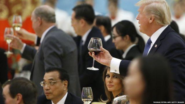 美中第一夫人競秀:這些照片說明什麼? - BBC News 中文