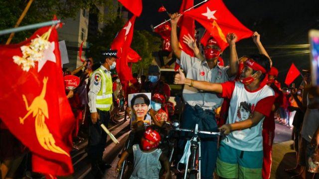 மியான்மரில் ராணுவ ஆட்சி அமல்: ஆங் சான் சூச்சி உள்ளிட்ட தலைவர்கள் கைது