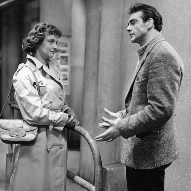 Jacqueline Hill y Sean Connery.