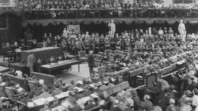 The Irish nationalists had formed their own parliament in 1919 to fight for full independence.