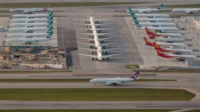 تُخزن العديد من الطائرات بسبب قلة طلب العملاء