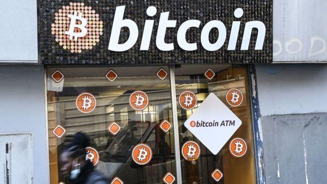 Loja de bitcoin em Marselha, na França, 8 de janeiro de 2021