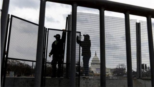 كثفت السلطات الأمريكية الإجراءات الأمنية في واشنطن وعدة ولايات