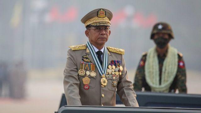 """시위 발생 전 TV연설에서 민 아웅 흘라잉은 """"안정과 안보에 영향을 미치는 폭력행위""""에 대해 경고했다"""