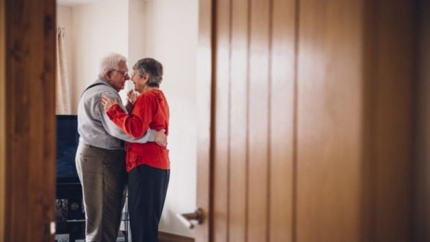 couple dancing in file image