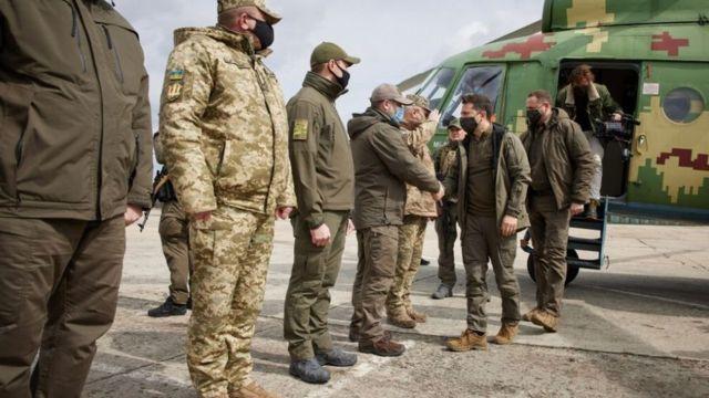 Ukrainian President Zelensky visited the troops in the Donbas region