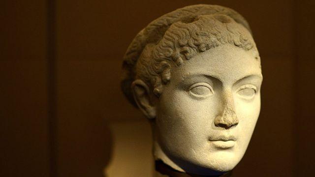 Не уникла каліцтва навіть прекрасна Клеопатра (69-30 рр. до н.е.)