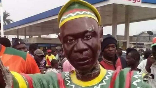 Iki ni igishusho ca John Ngu Foncha yigeze kuba umushikiranganji wa mbere wa Kameruni