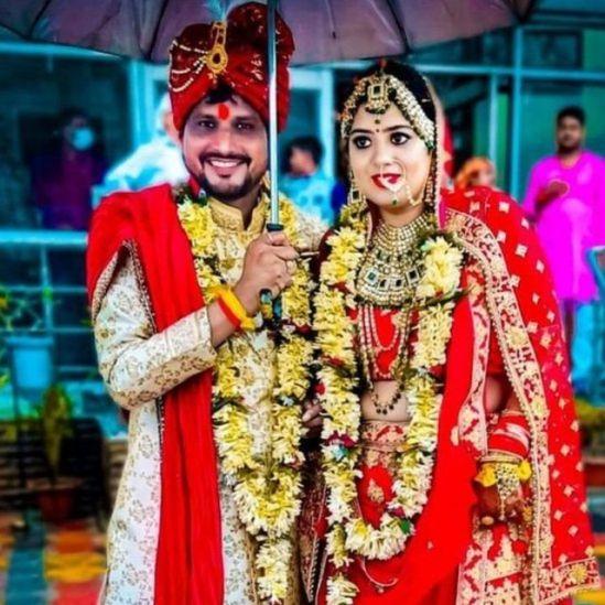 دیپتی اور انیش کی شادی کی تصویر