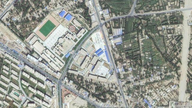 صورة لمعسكر إعادة تأهيل في منطقة خوتان في شينجيانغ، الصين التقطت عبر أقمار اصطناعية عام 2019