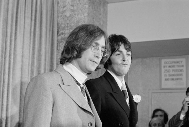 В отношениях между Ленноном и Маккартни были не только творческий союз и дружба, но ревность, зависть и временами даже откровенная неприязнь