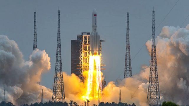 중국의 우주정거장 핵심 모듈 톈허 발사 장면