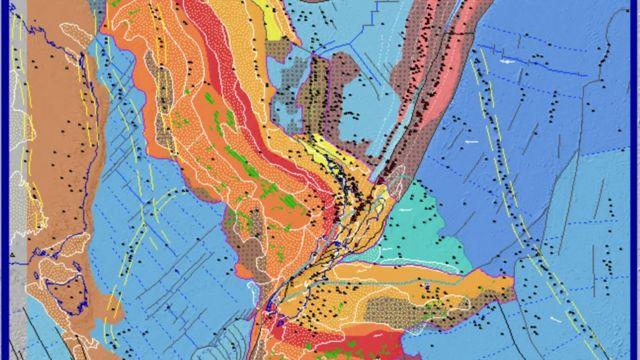 নিউজিল্যাণ্ডের ভূতাত্ত্বিক গঠন: লাল চিহ্নিত শিলার স্তর হঠাৎ ভেঙে আড়াআড়ি হয়ে গেছে