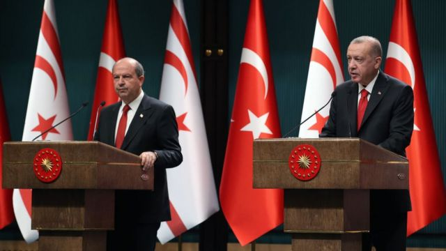 Ankara'nın Kuzey Kıbrıs Cumhurbaşkanlığı seçimlerinde Ersin Tatar'a destek vermesi, adada 'müdahale' eleştirilerine neden olmuştu.