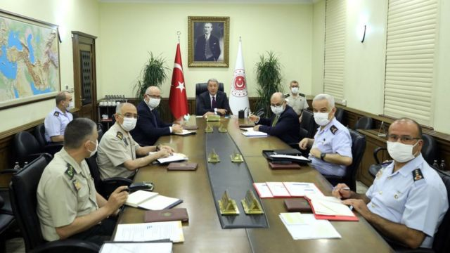 Turkish Defense Minister Hulusi Akar in a meeting with military leaders.