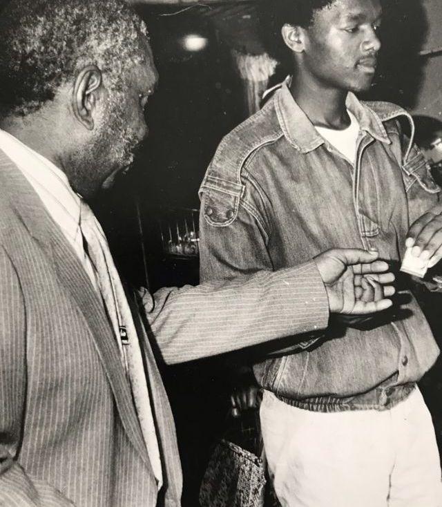 Glenack avec Zeph Mothopeng, leader du PAC, qui, selon Candice, a servi de mentor