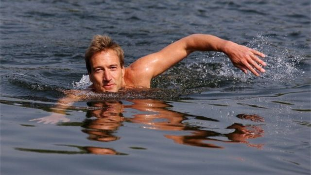 Для атлантичного проєкту Фогл тренувався в озері Серпентайн, що в Гайд парку
