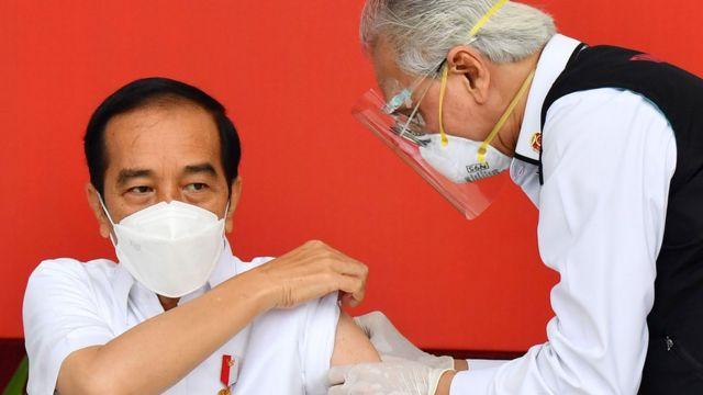 Vaksin Covid 19 Vaksinasi Massal Tanpa Tes Dan Telusur Kontak Yang Memadai Akan Membiarkan Virus Corona Leluasa Menyebar Bbc News Indonesia