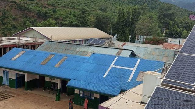 फोटो नम्वर ५ -२५ बर्ष अघि स्थापना भएर दुर्गम गाउँका जनताको लागि बरदान बनेको चौरजहारी अस्पताल