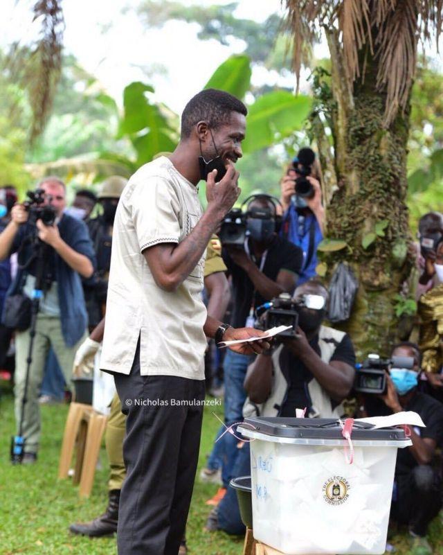 Uganda Election Day 2021: Bobi Wine, wife Barbara Itungo Kyagulanyi vote