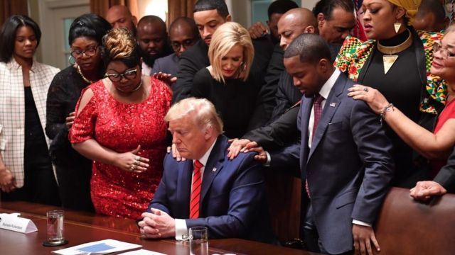 Bwana Trump arirata ko ari we mu perezida wa Amerika amaze gufasha Abanyamerika bakomoka muri Afrika gusumba abandi baperezida ba Amerika