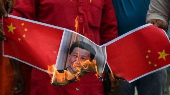 中国领导人在印度被焚的照片