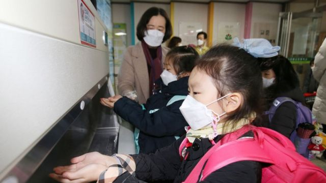 특수·유치원·초등 교사에 대한 접종이 앞당겨졌다