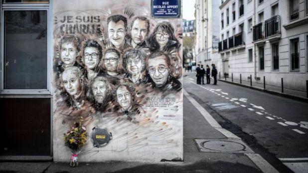 لوحة جدارية لتكريم ضحايا هجوم شارلي إيبدو في شارع