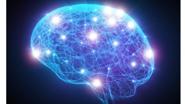 يؤثر نقص الاستروجين قبل وبعد انقطاع الطمث على المخ والجسم بعدة طرق