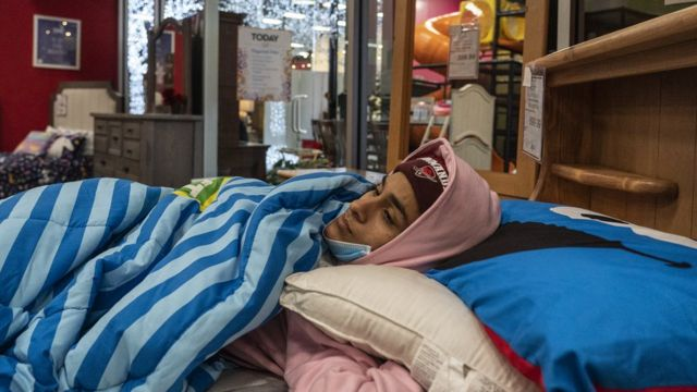 Texans who had a power outage in their homes took refuge in the shops to stay warm.