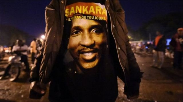 Arrivé au pouvoir en 1983 après un coup d'Etat appuyé par une insurrection populaire contre Jean Baptiste Ouédraogo, Sankara fait de la fin des injustices sociales son cheval de bataille et de la lutte contre la pauvreté et la corruption, ses principales priorités.